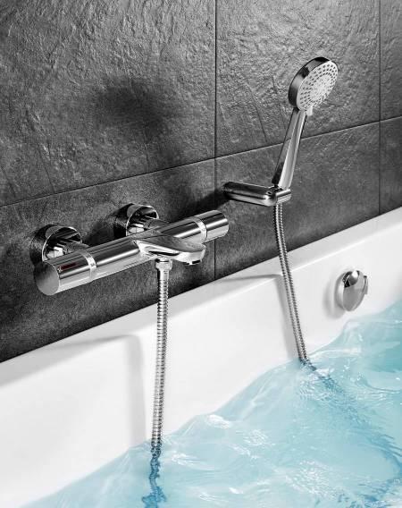 Torneira termostática T-1000 da Roca para banheira com tecnologia Safe Touch