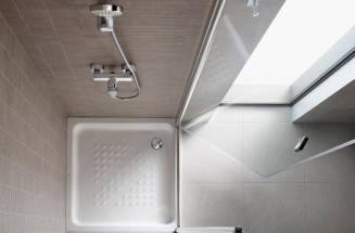 SHOWER SCREENS FOR SMALL BATHROOMS: COMFORTABLE AND COMPACT